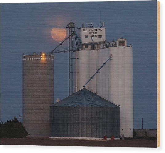 Moonrise At Laird -01 Wood Print