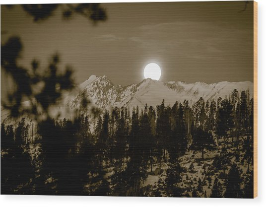 moonset over the Rockies Wood Print
