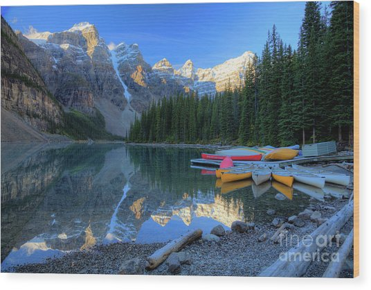 Moraine Lake Sunrise Blue Skies Canoes Wood Print