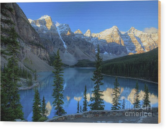 Moraine Lake Sunrise Blue Skies Wood Print