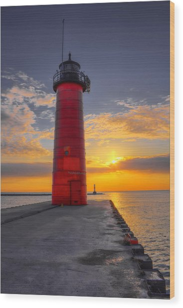 Morning At The Kenosha Lighthouse Wood Print