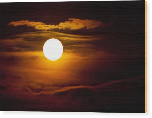 Morning Moonset Wood Print