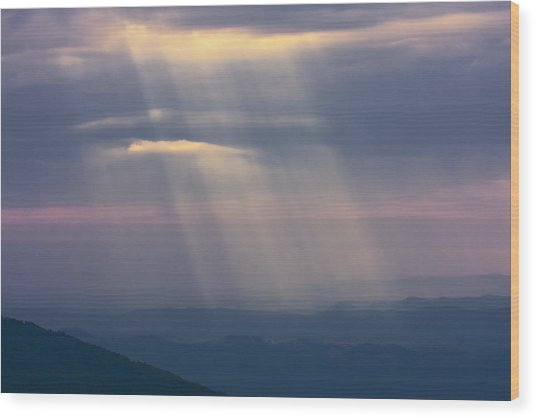 Mountain God Rays Wood Print
