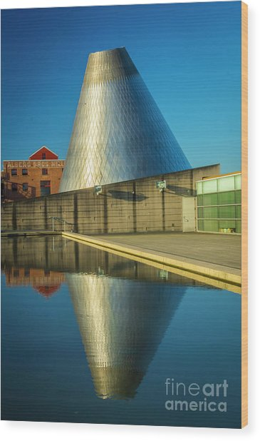 Museum Of Glass Tower Wood Print