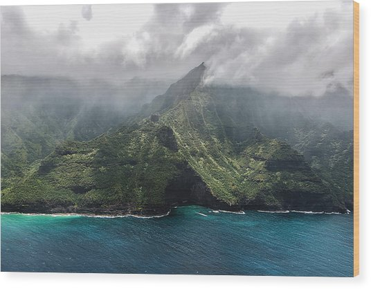Napali Coast In Clouds And Fog Wood Print