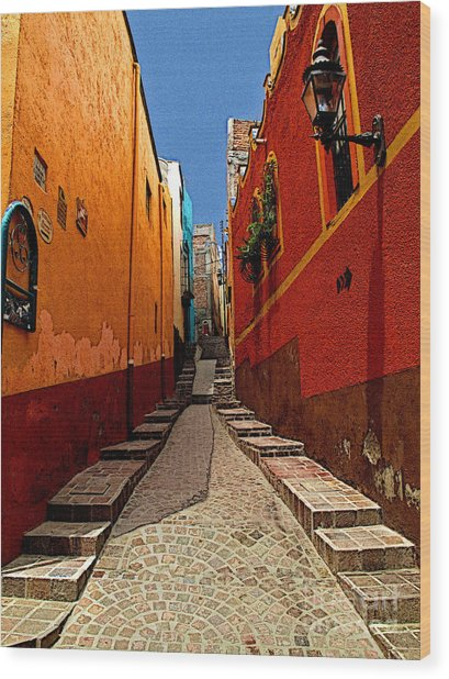 Narrow Passage Wood Print by Mexicolors Art Photography
