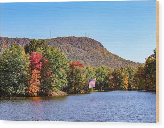 Nashawannuck Pond Fall Colors Wood Print