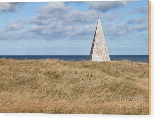 Navigation Daymark - Lindisfarne Wood Print by Bryan Attewell