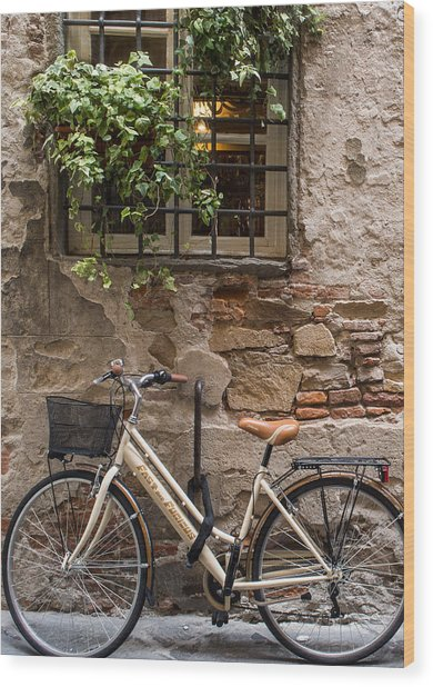 New Bike In Old Lucca Wood Print