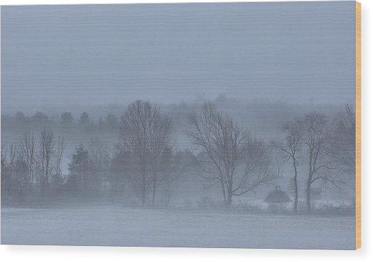 New England Hillside Foggy Morning With Fresh Snow Wood Print