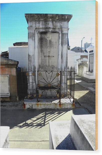 New Orleans Crypt 8 Wood Print by Patricia Bigelow