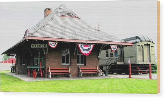 New Oxford Pennsylvania Train Station Wood Print