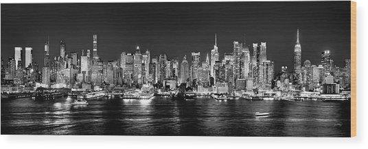 New York City Nyc Skyline Midtown Manhattan At Night Black And White Wood Print