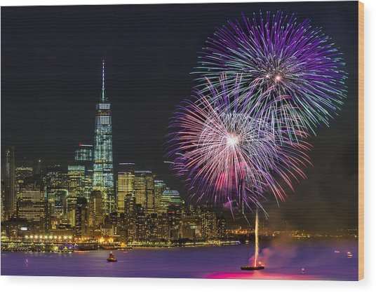 New York City Summer Fireworks Wood Print