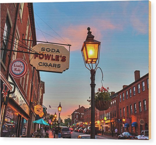 Newburyport Ma High Street Lanterns At Sunset Fowle's Wood Print