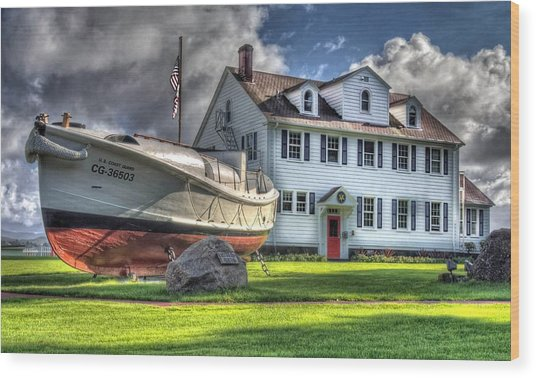 Newport Coast Guard Station Wood Print