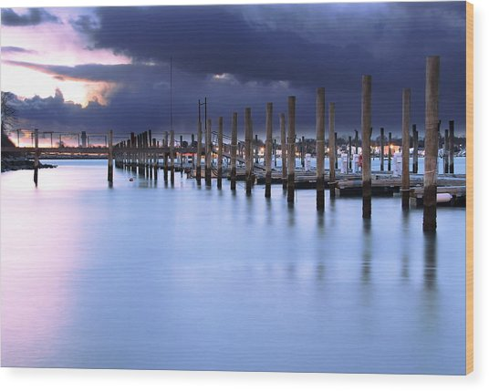 Niantic Docks Wood Print