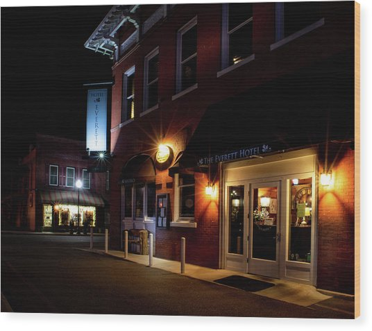 Night At The Everett Hotel Wood Print