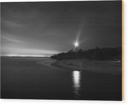 Night At The Sanibel Lighthouse In Black And White Wood Print
