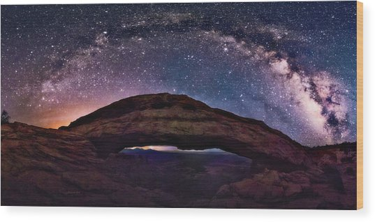 Night Sky Over Mesa Arch Utah Wood Print