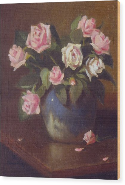 Nine Roses In Blue And White Vase Wood Print by David Olander
