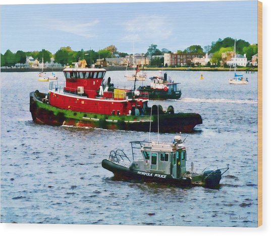 Norfolk Va - Police Boat And Two Tugboats Wood Print