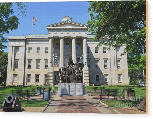 North Carolina State Capitol Building With Statue Wood Print