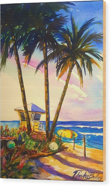 North Shore Lifeguard Hut Wood Print by Therese Fowler-Bailey