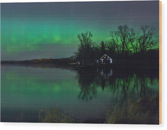 Northern Lights At Gull Lake Wood Print