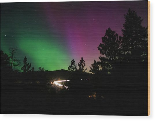 Northern Lights Over Storm Mountain Wood Print