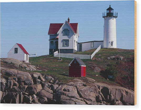 Nubble Point Lighthouse Wood Print by George Oze