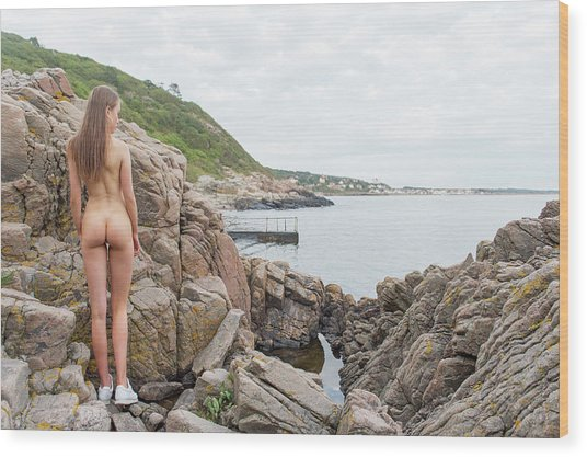 Nude Girl On Rocks Wood Print