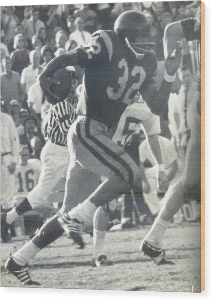 O J Simpson - Rose Bowl 1969 Wood Print