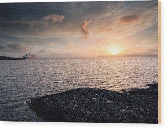 Oban Sunset Wood Print by Grant Glendinning