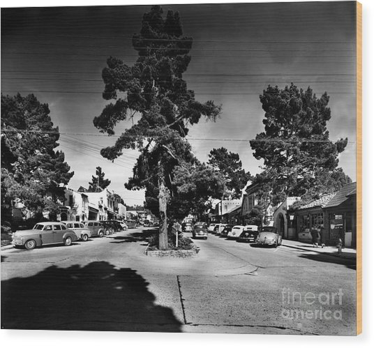 Ocean Avenue At Lincoln St - Carmel-by-the-sea, Ca Cirrca 1941 Wood Print