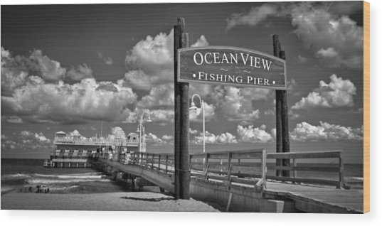 Ocean View Fishing Pier Wood Print
