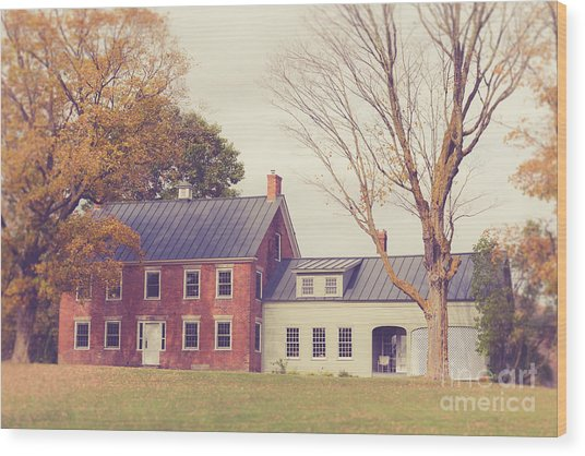 Old Colonial Farm House Vermont Wood Print