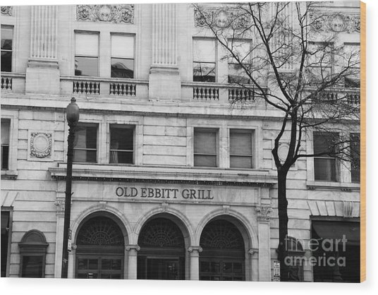 Old Ebbitt Grill Facade Black And White Wood Print
