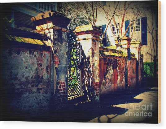 Old Iron Gate In Charleston Sc Wood Print