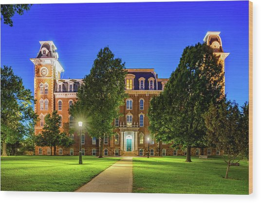 Old Main At Twilight - University Of Arkansas Wood Print