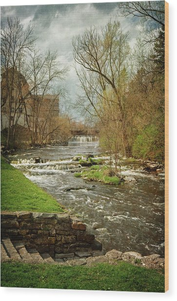 Old Mill On The River Wood Print