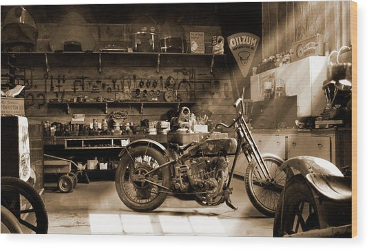 Old Motorcycle Shop Wood Print