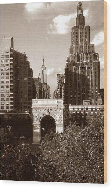 Washington Arch And New York University Wood Print