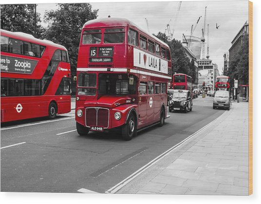 Old Red Bus Bw Wood Print