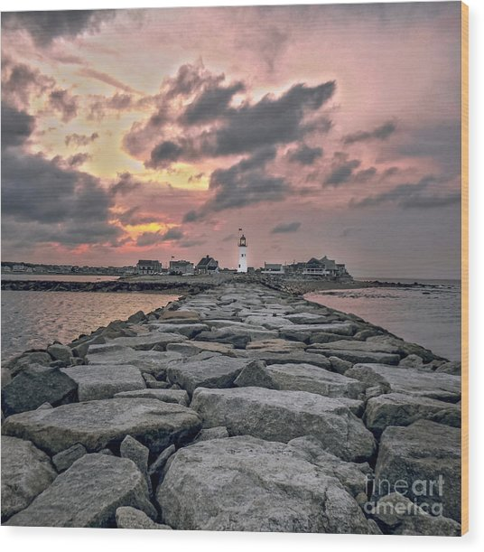 Old Scituate Light At The End Of The Jetty Wood Print