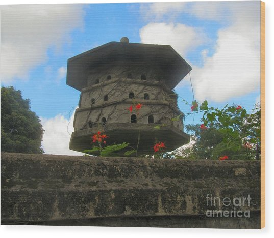 Old Stone Chinese Bird House Wood Print by Kathy Daxon