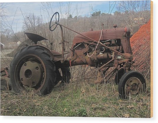 Old Tractor-clarks Farm Wood Print