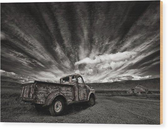Old Truck (mono) Wood Print by Thorsteinn H. Ingibergsson