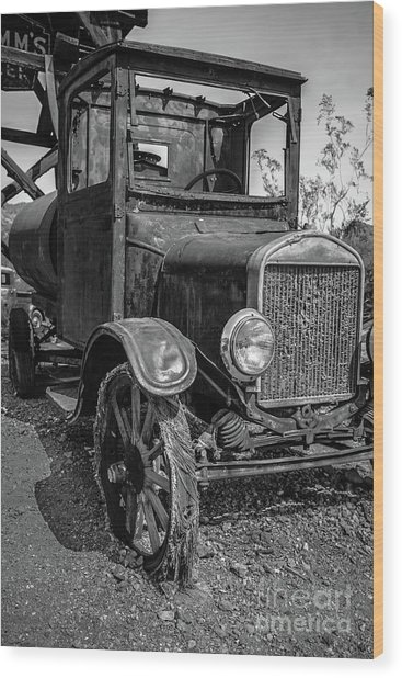 Old Vintage Ford Model T Water Truck Black And White Wood Print