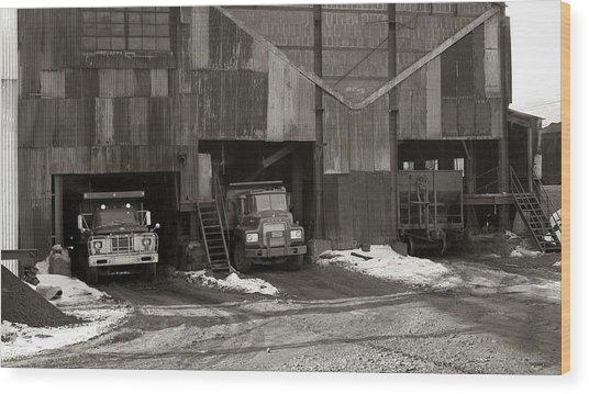 Olyphant Pa Coal Breaker Loading Trucks And Gondola Car Winter 1971 Wood Print
